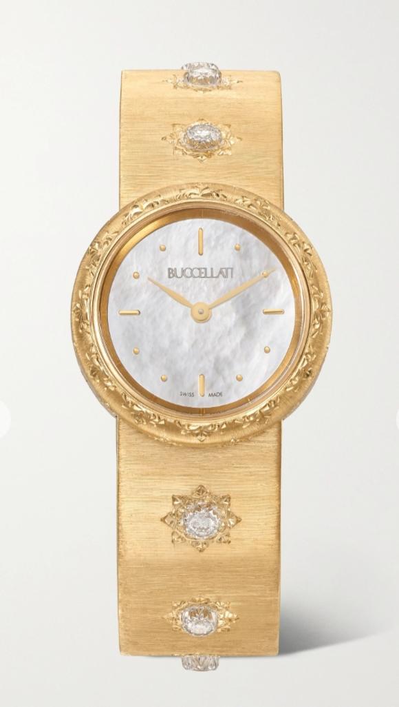 ساعة يد ضخمة بالذهب الأصفر من ماركة بوتشيلاتيBuccellati
