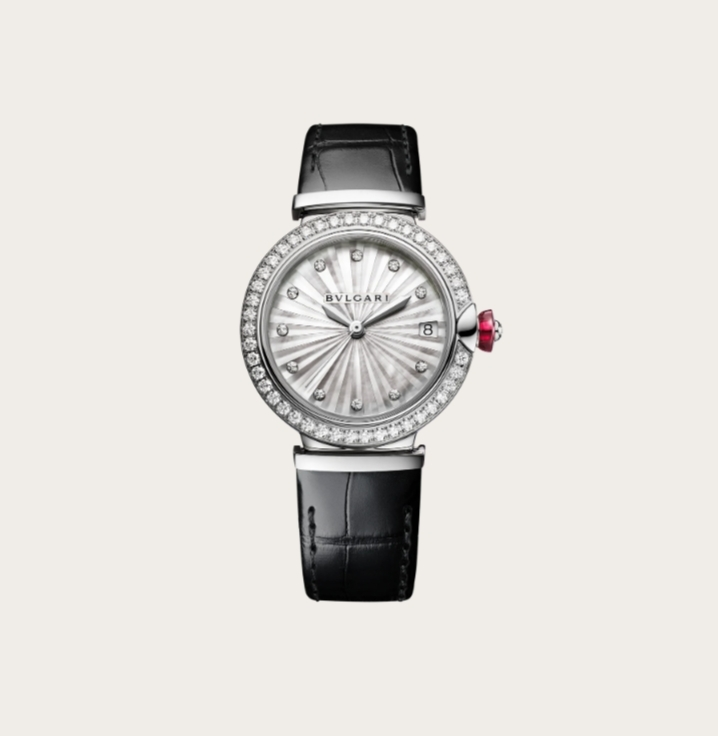 ساعة سوداء من الجلد من بولغري «Bvlgari»