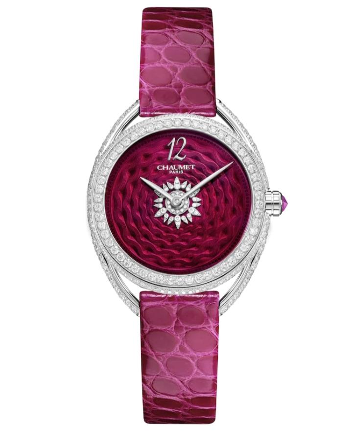 ساعة يد جذابة باللون الزهري من ماركة شوميه Chaumet
