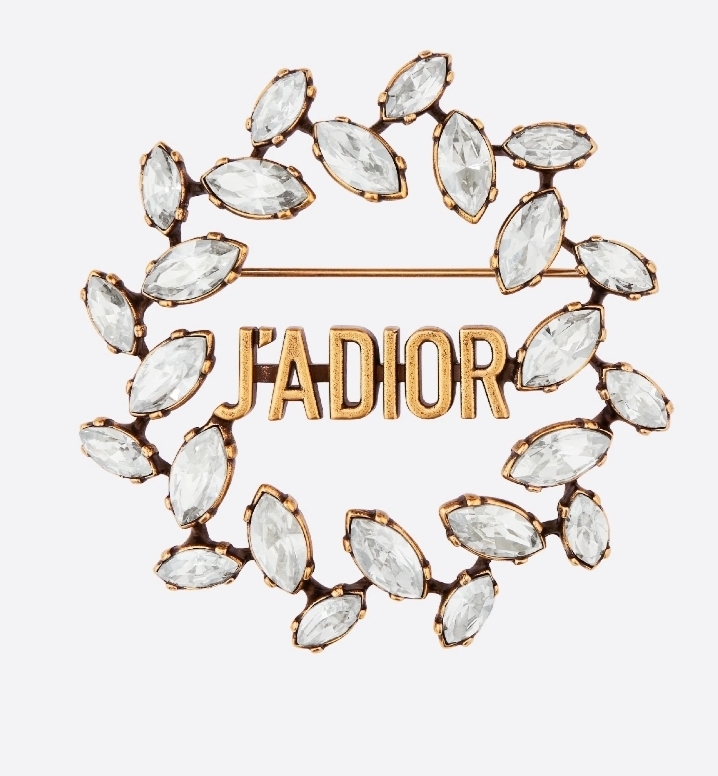 بروش J'ADIOR من علامة ديور «Dior» لعروس 2021