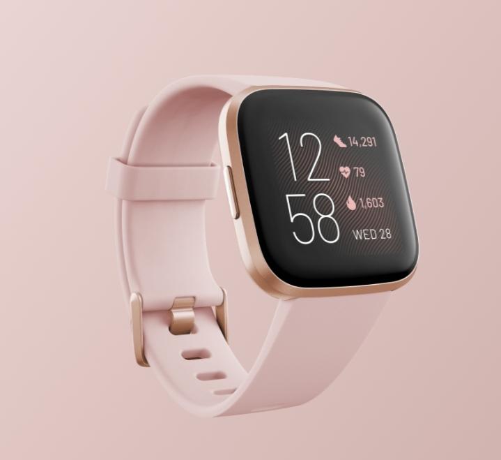 ساعة يد ذكية من ماركة «Fitbit Versa»