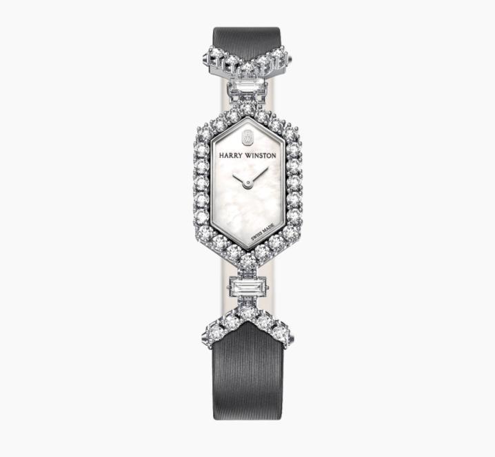 ساعة Art Deco من ماركة هاري وينستون «Harry Winston»