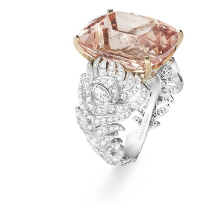 خاتم ذهب أبيض مرصع بالألماس من بوشرون Boucheron