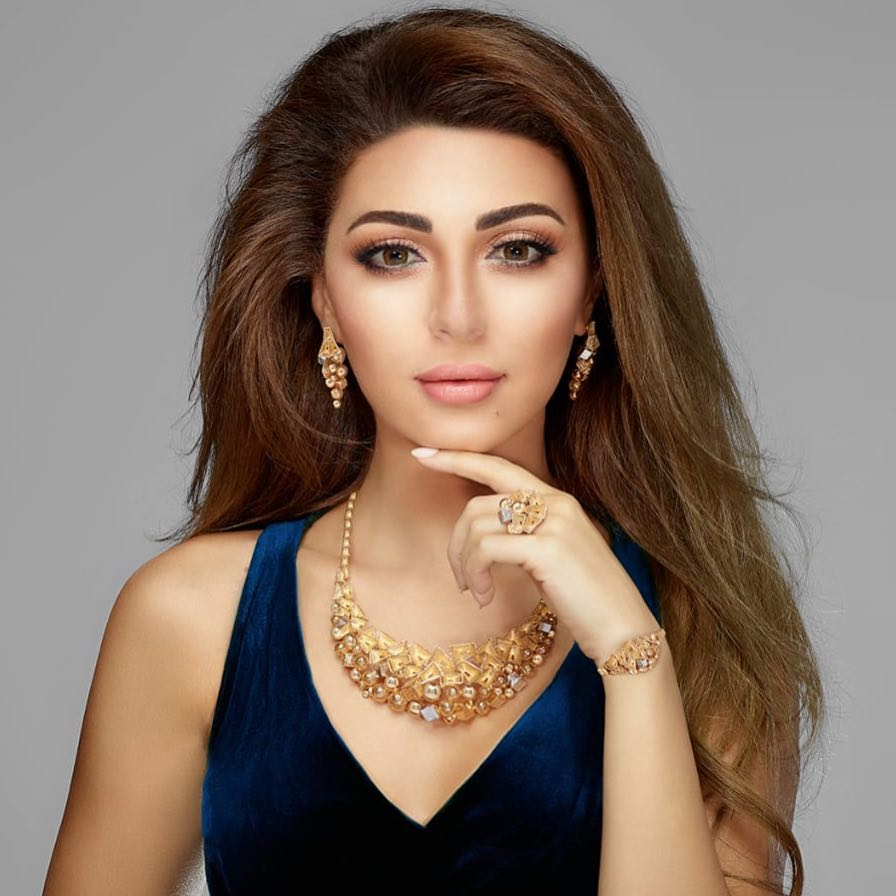 ميريام فارس بطقم مجوهرات جذاب من الذهب الأصفر