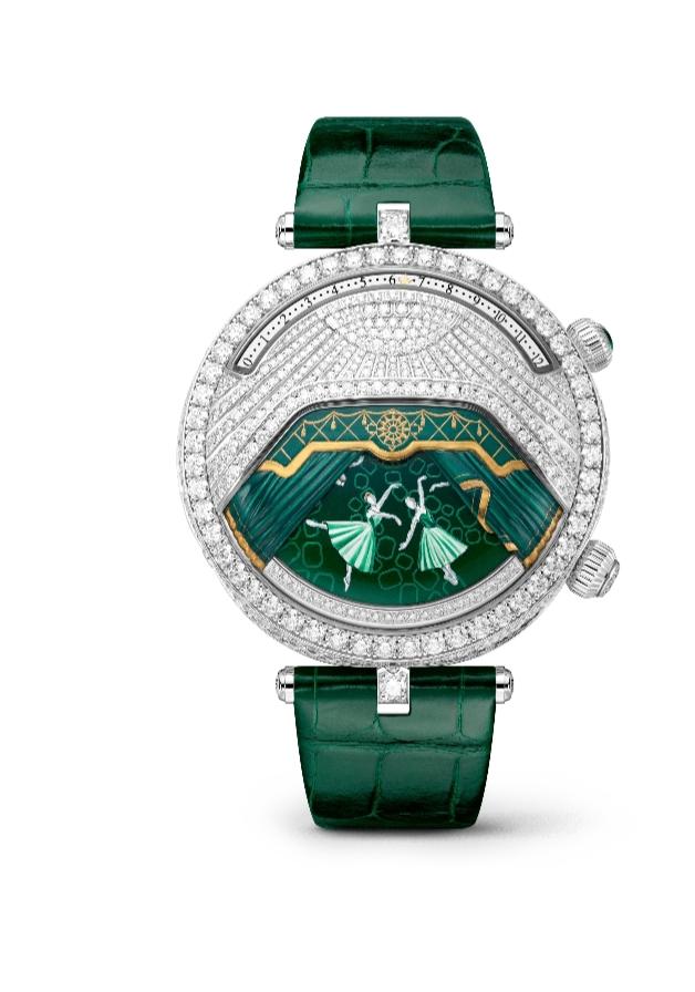 """ساعة يد كلاسيكية بدرجات اللون الأخضر من دار فان كليف أند آربلز """"Van Cleef & Arpels"""""""