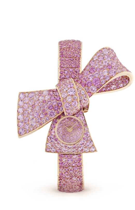 ساعة Ruban Secret Saphirs Roses من علامة فان كليف أند آربلز «Van Cleef & Arpels»