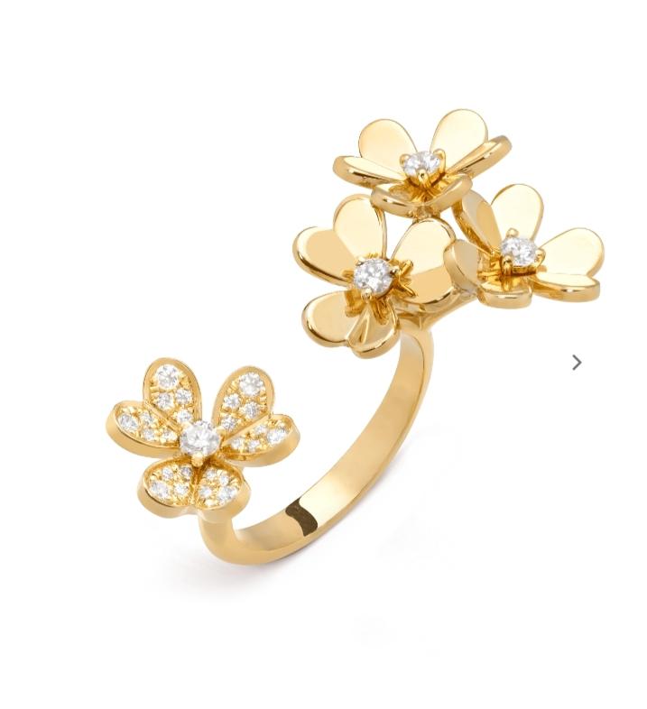 خاتم مفتوح من الذهب الأصفر والألماس من دار فان كليف أند آربلز «Van Cleef & Arpels»