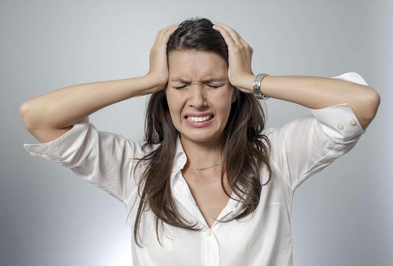 النوبات غير المبررة من أعراض الانهيار العصبي