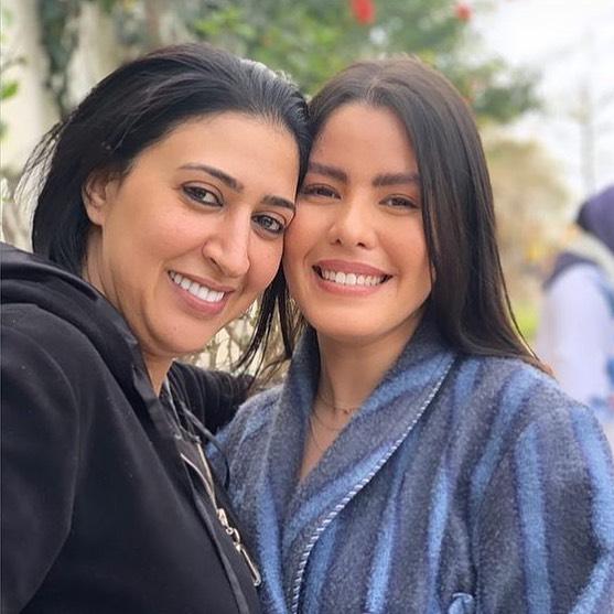 سارة فارس ودنيا بوتازوت