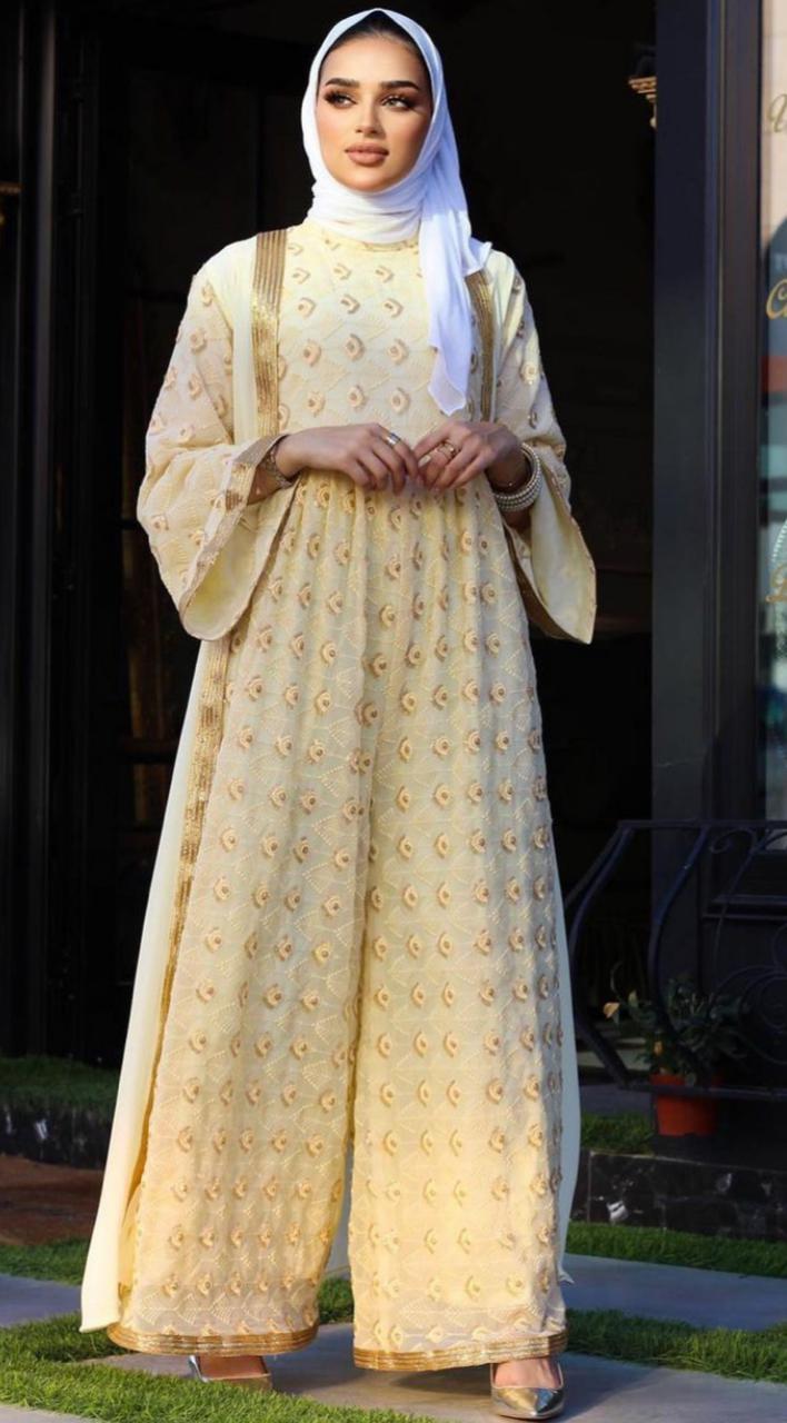 الفساتين المطرزة من فجر