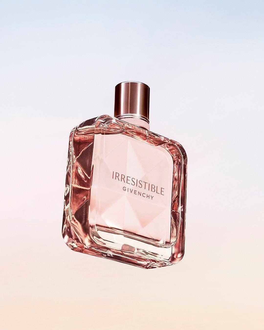 Givenchy Irrésistible Eau de Parfum - المصدر انستغرام جيفنشي