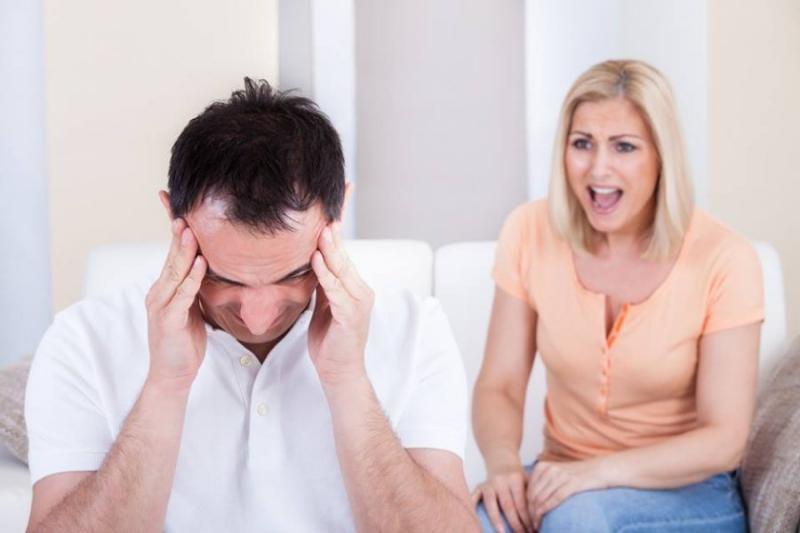 المشاكل بين الزوجين