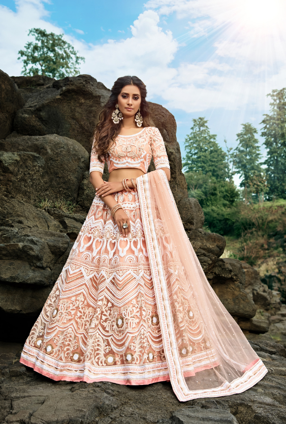 فستان هندي ملون للأعراس