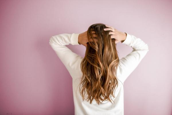 تلوين الشعر