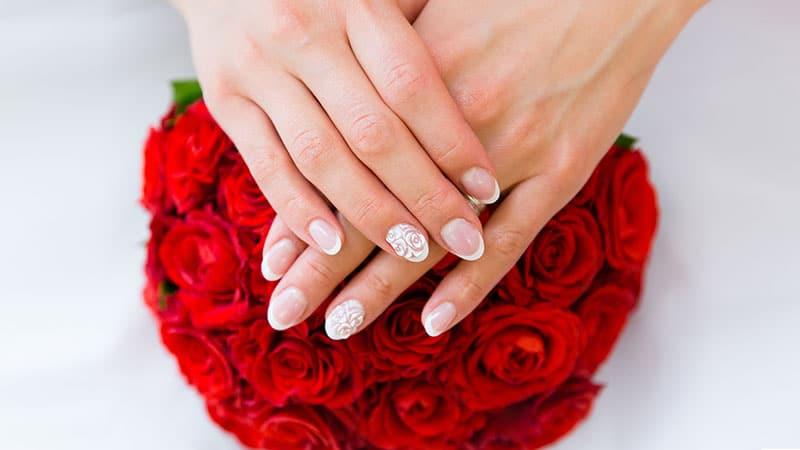 ترطيب اليدين قبل الزفاف