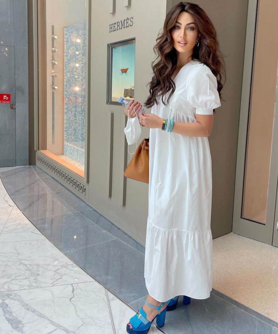 فستان كاجوال باللون الابيض
