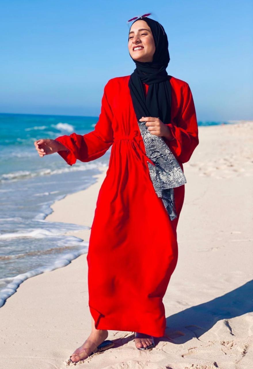 فستان اللون الاحمر من اميرة فرج