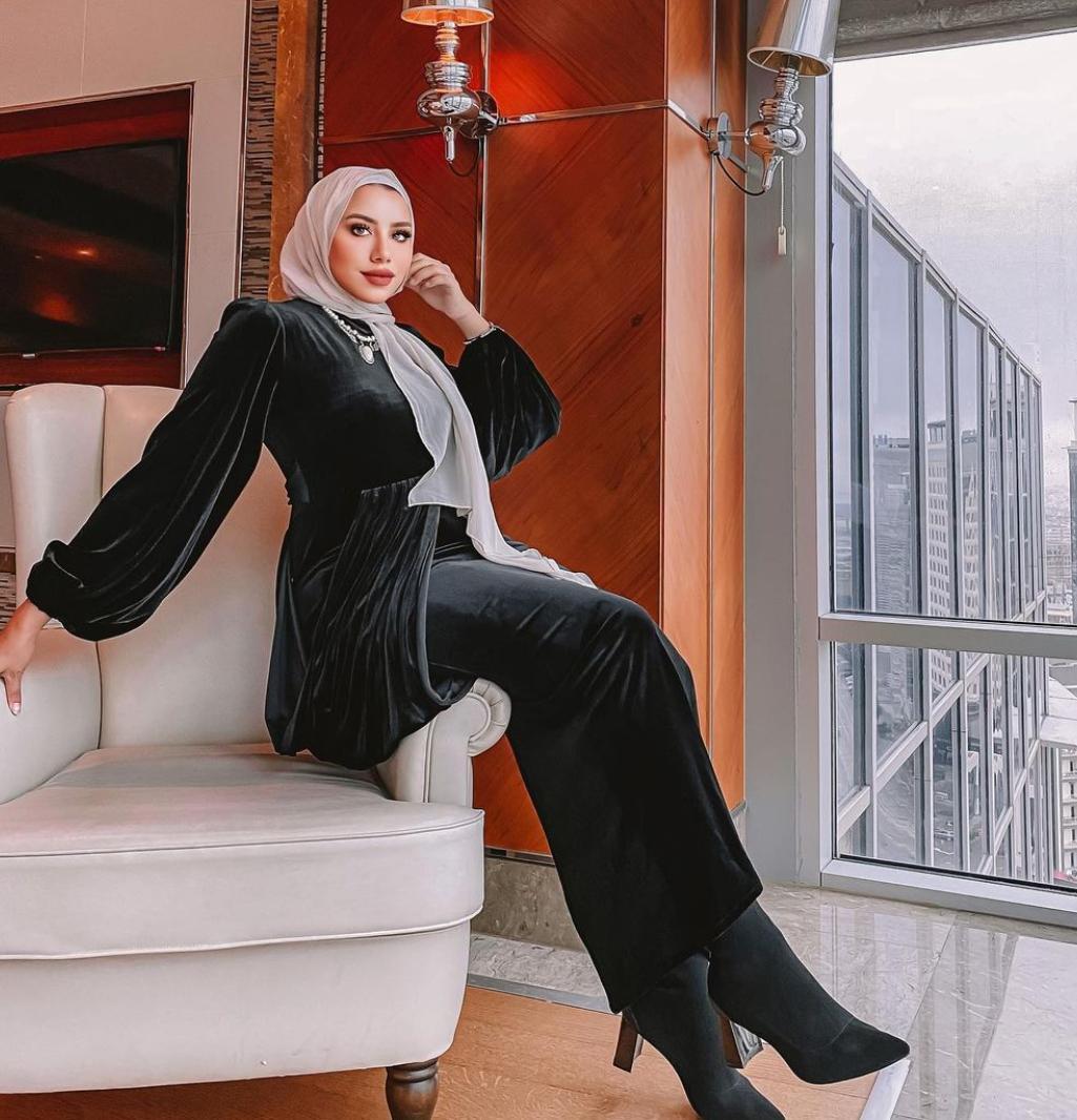 رهف الشامي بالمخمل الاسود