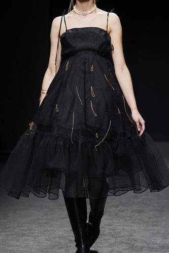 فستان سهرة منفوش من Milano Moda Graduate