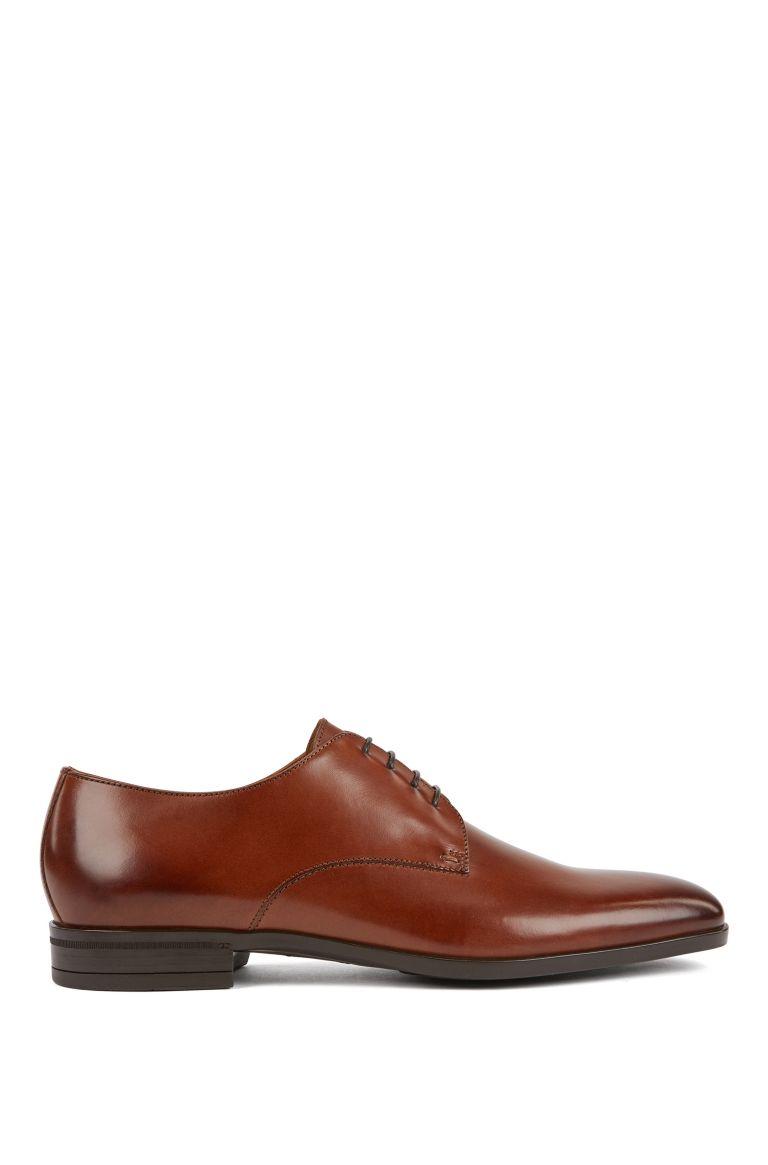 حذاء بني من Hugo Boss