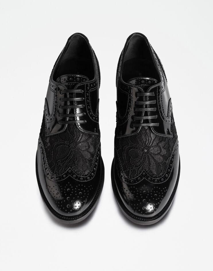 حذاء عملي من فالنتتينو