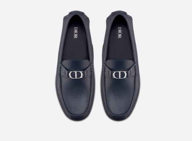 حذاء رجالي باللون الأزرق الداكن من ديور