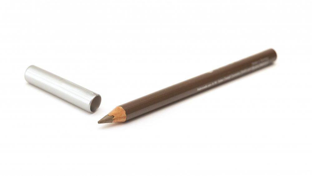 قلم مخصص لتطبيق النمش الزائف