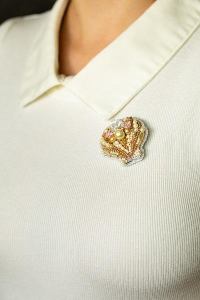 البوش أجمل المجوهرات للمرأة الأنيقة