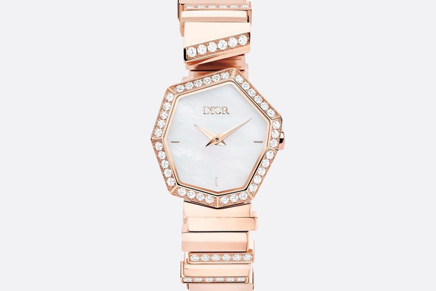ساعة فاخرة من ديور Dior
