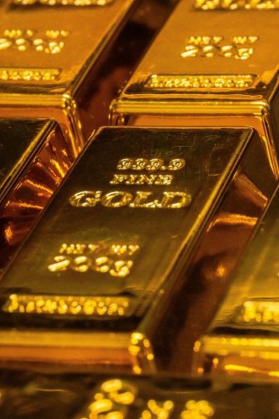 السبائك هي أفضل أنواع الذهب التي يمكن للمرأة أن تستثمر فيها