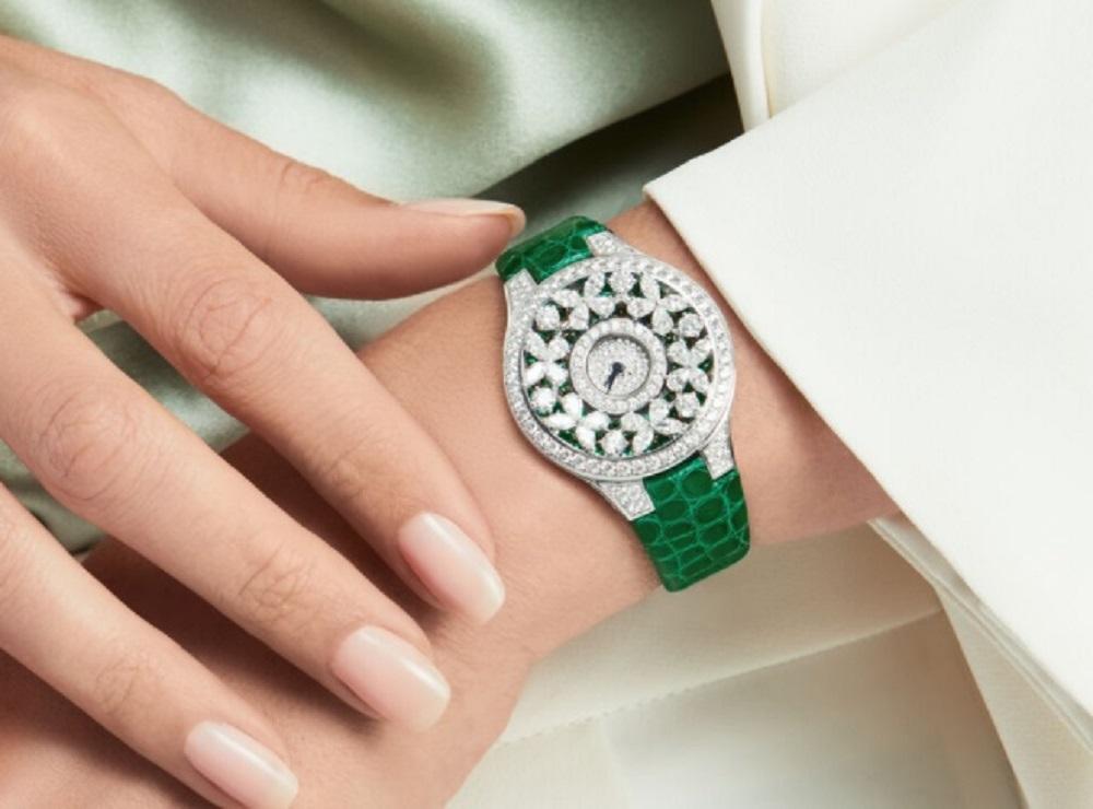 ساعة غراف Graff التي أهداها زوج فوز الفهد لها في ذكرى زواجهما