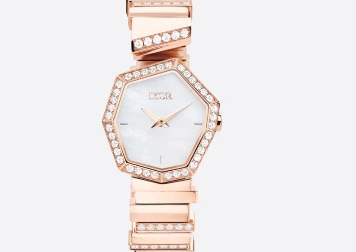 ساعة ذهب وردي من ديور Dior