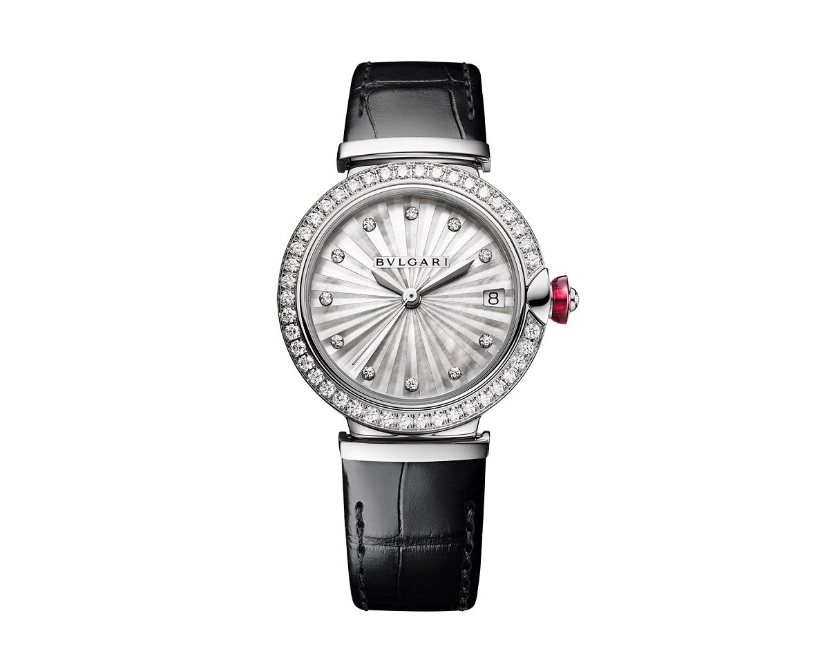 ساعة سوداء من بولغاري «Bvlgari»