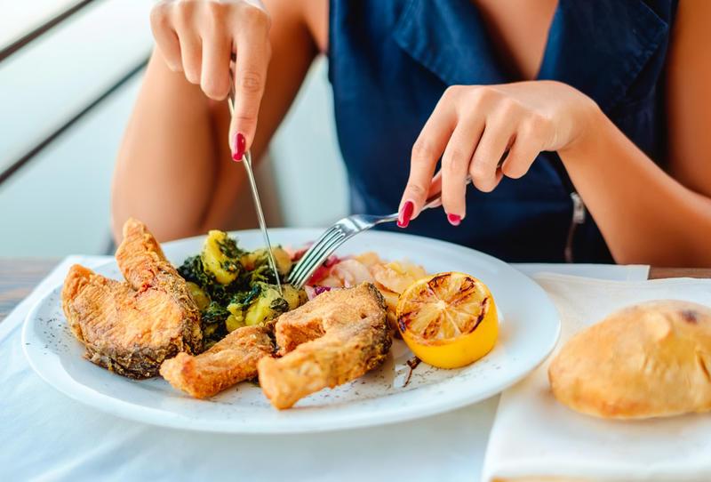 تناولي الطعام ببطء