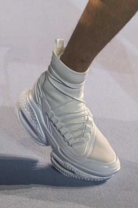 حذاء رياضي مع جوارب من بالمان