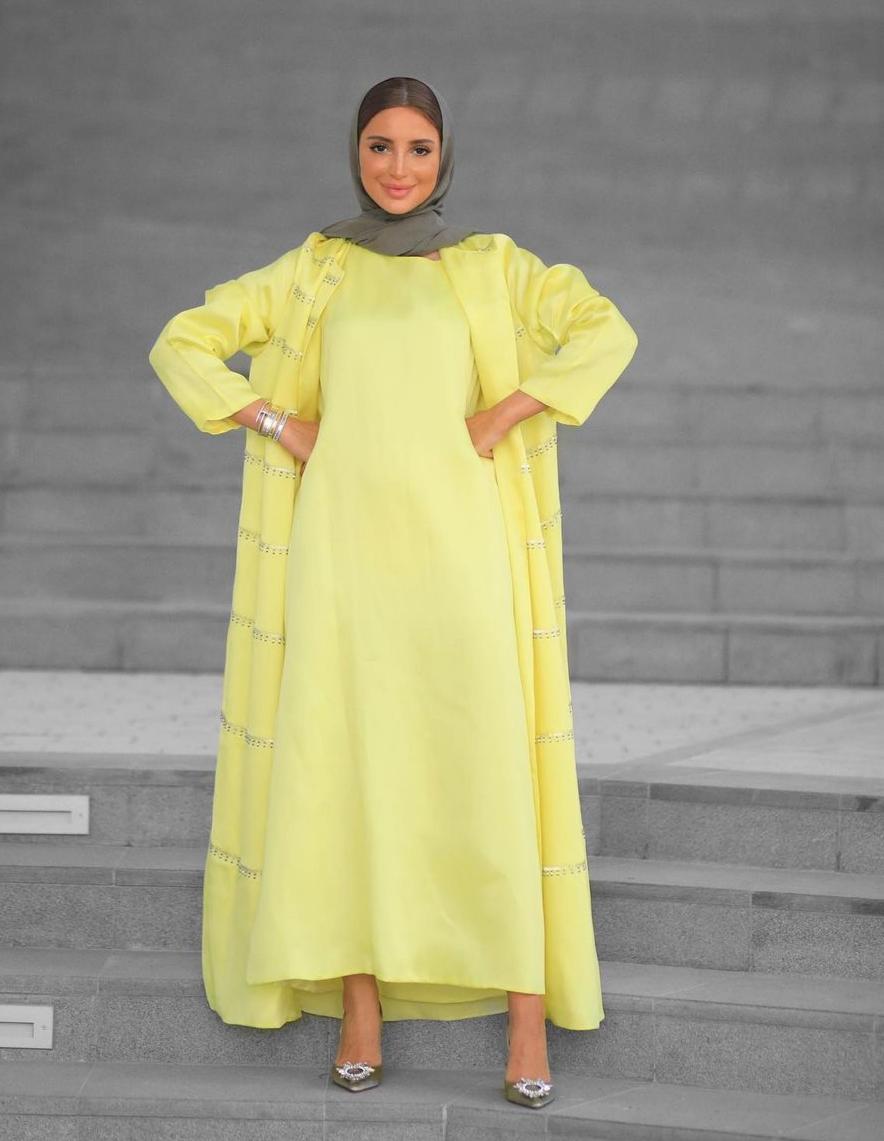4 فاطمة حسام بازياء اللون الاصفر -الصورة من حسابها على الانستغرام