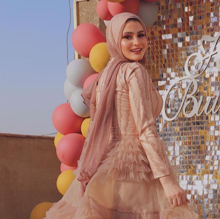 4 هاجر طارق بحجاب سواريه -الصورة من حسابها على الانستغرام