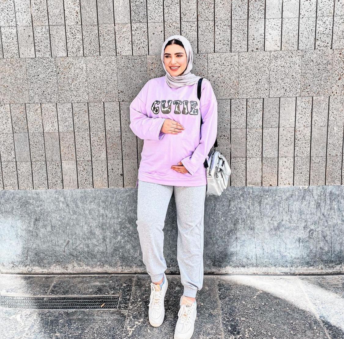 7 دينا رزق بإطلالة مناسبة للحوامل -الصورة من حسابها على الانستغرام