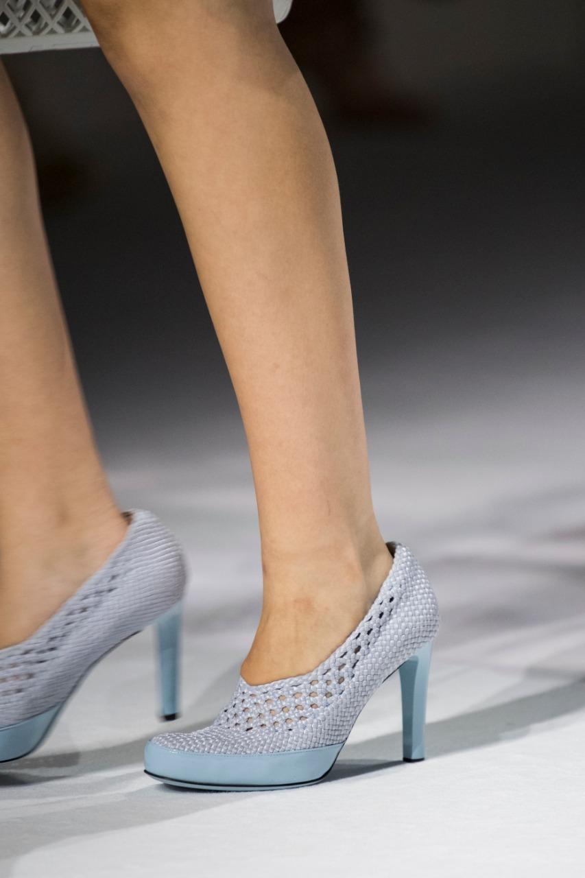 حذاء بكعب عالٍ من ماركة فيندي Fendi