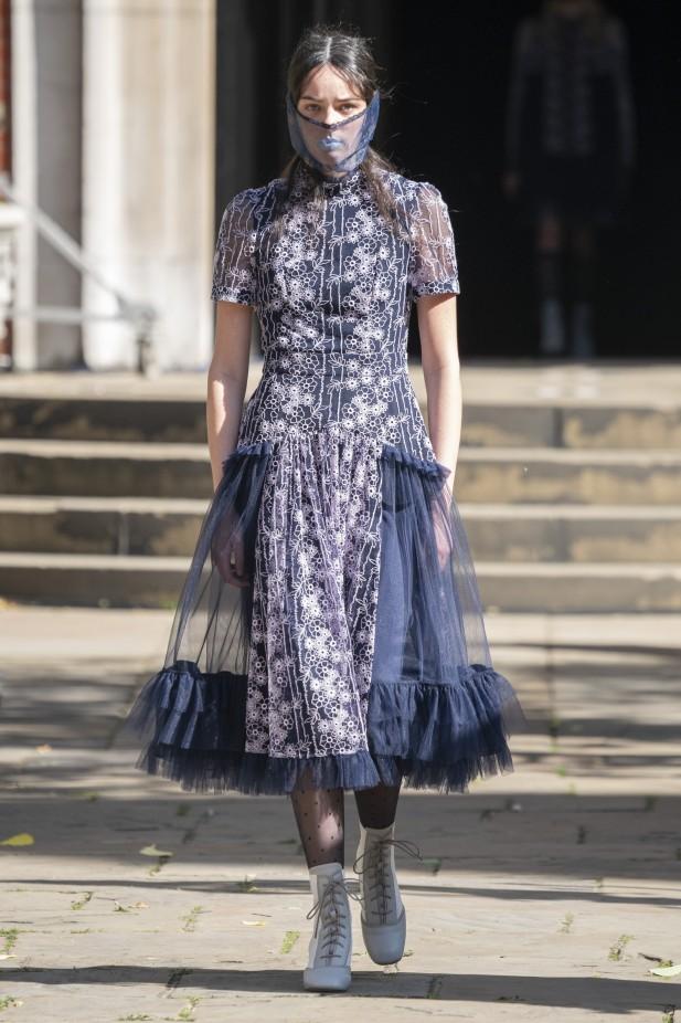 فستان كشكش قصير من بورا آكسو  Bora Aksu