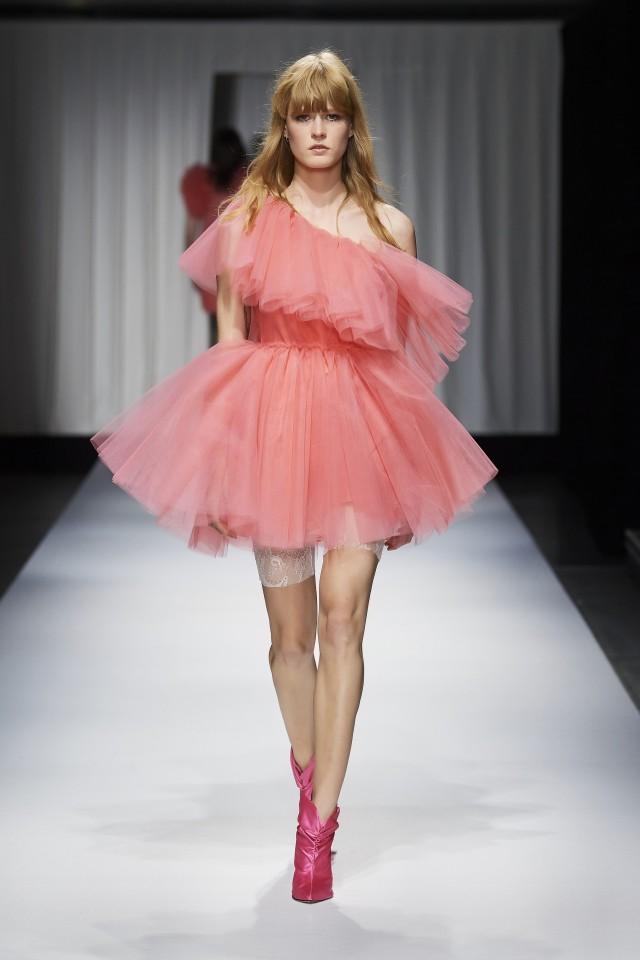 فستان سهرة من التول المنفوش من Aniye By