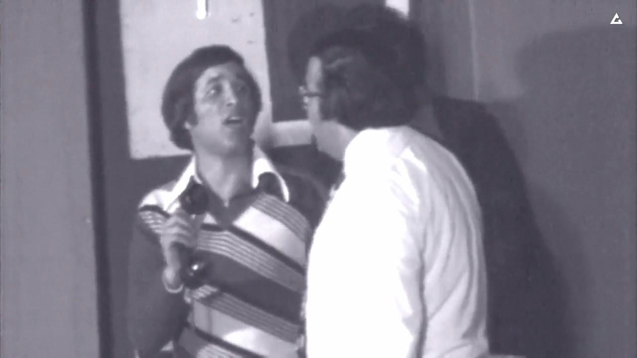 حسن مصطفى وسعيد صالح في لقطة من مسرحية مدرسة المشاغبين
