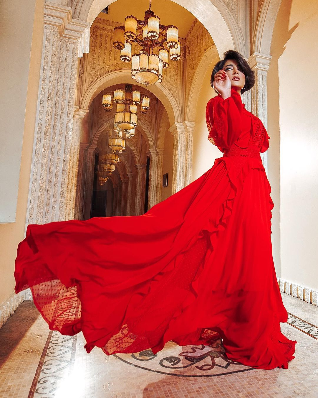 الفستان الكامل بأكمام طويلة يسهل عليك تنسيق إطلالة ساحرة من حساب بثينة الرئيسي