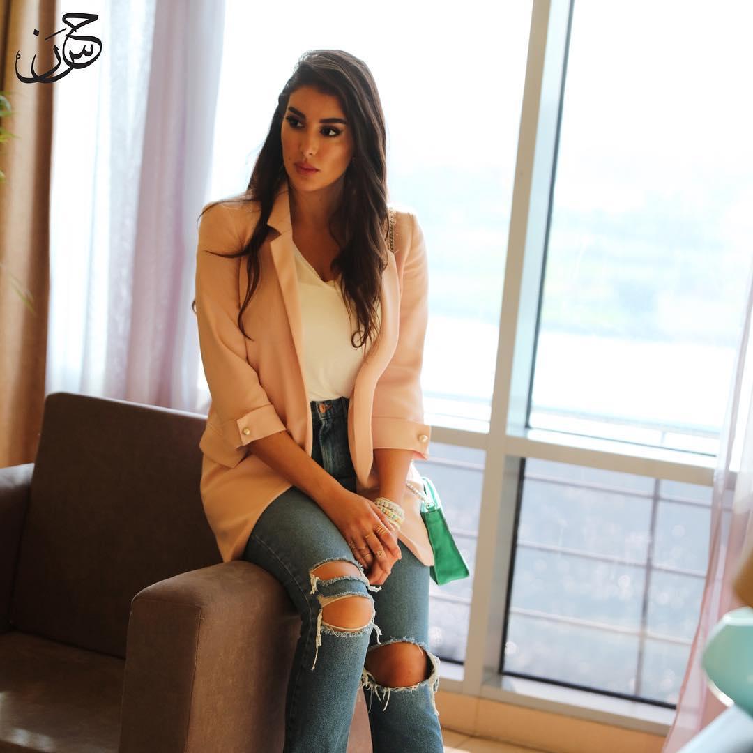 صورة ٣ ياسمين صبري بإطلالة كاجوال رسمية الصورة من حسابها علي انستغرام