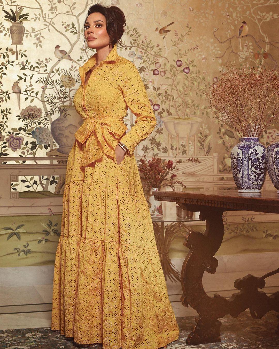 نادين نجيم بفستان باللون الأصفر