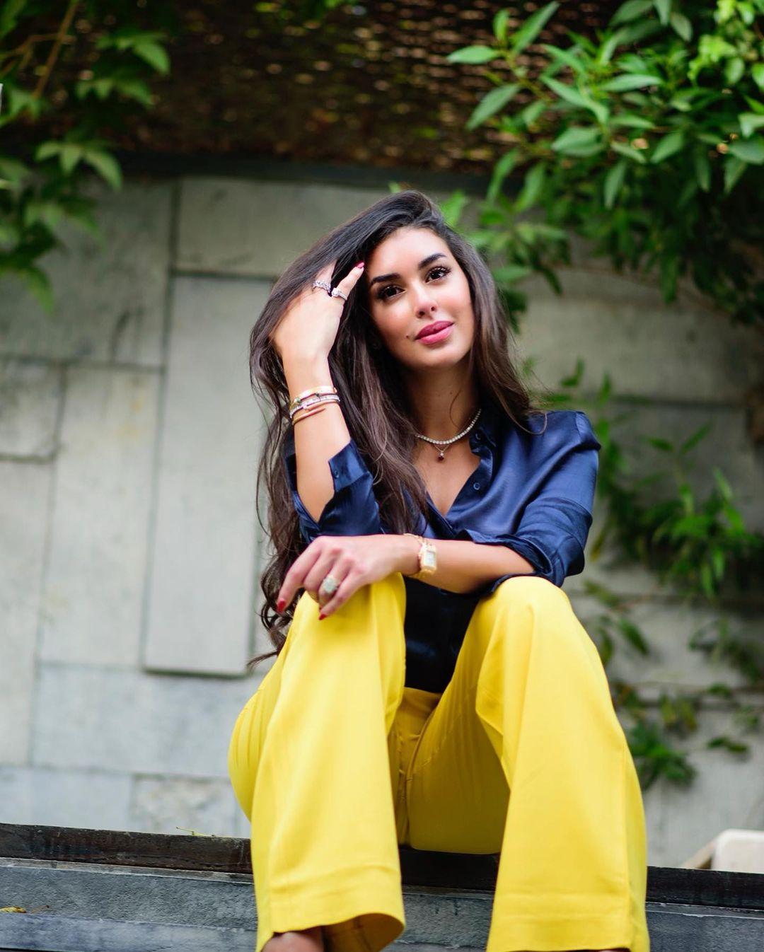 صورة ٤ ياسمين صبري بإطلالة عصرية الصورة من حسابها علي انستغرام
