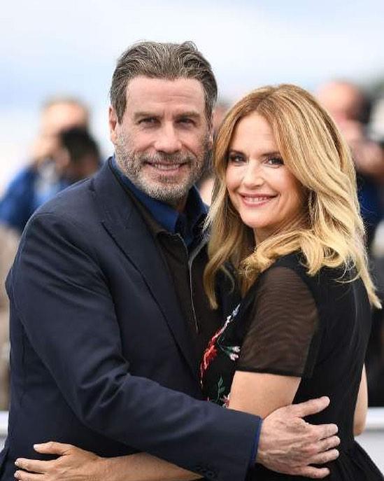 صورة نشرها جون خلال معايدة يوم الحب له مع زوجته-الصورة من حسابه في أنستغرام