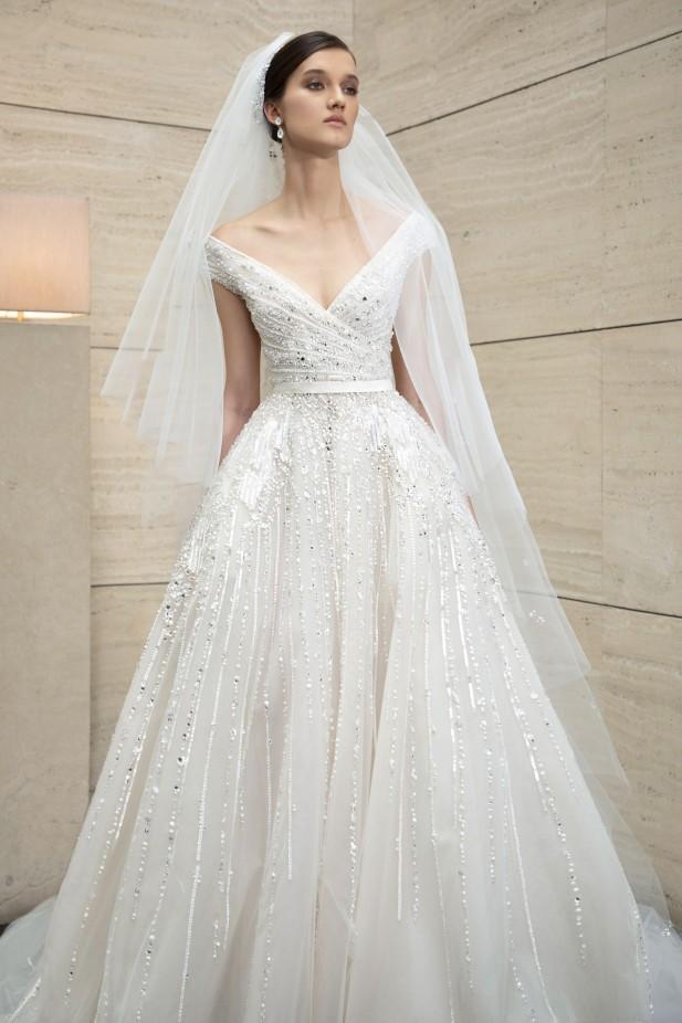 تأكدي من وجود حزام في فستان زفافك