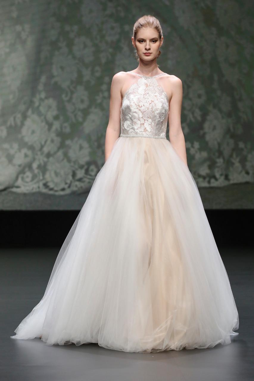 فستان زفاف من Valentini