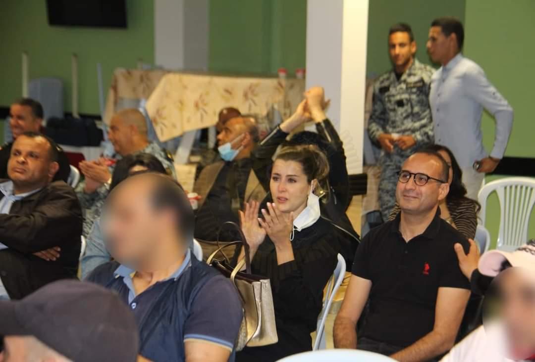 عائشة بن أحمد وفريق مسلسل حرقة يتابعون الحلقة الاخيرة بالسجن